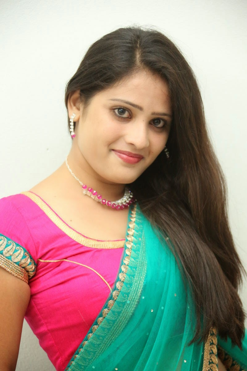Anusha South Actress in Beautiful Half Saree and Pink Blouse Spicy Pics