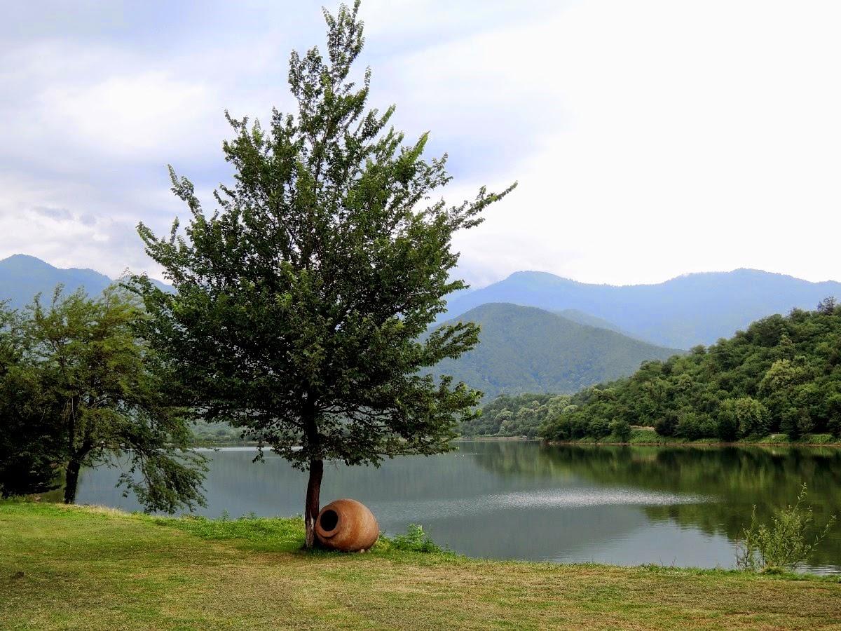 горное озеро возле Кварели