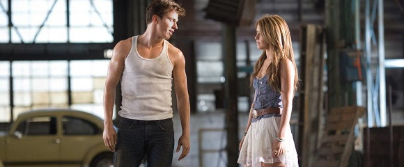 Kenny Wormald e Julianne Hough em FOOTLOOSE