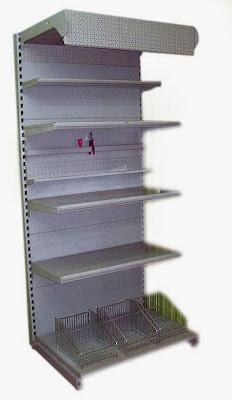 Фото торговая горка или металлический пристенный стеллаж