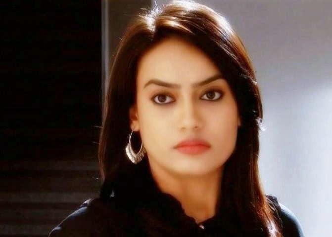 Foto cantik Surbhi Jyoti - Qubool Hai