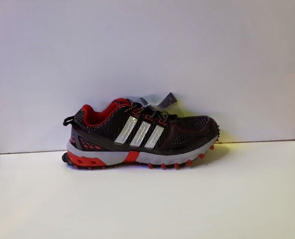 sepatu adidas gunung,sepatu hiking,