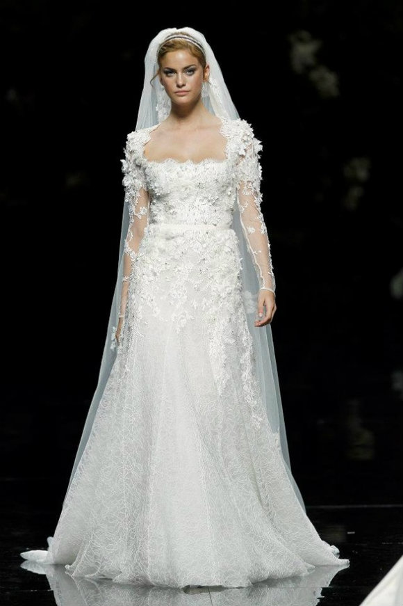 A diary of lovely wedding wednesday elie saab for pronovias for Price of elie saab wedding dress