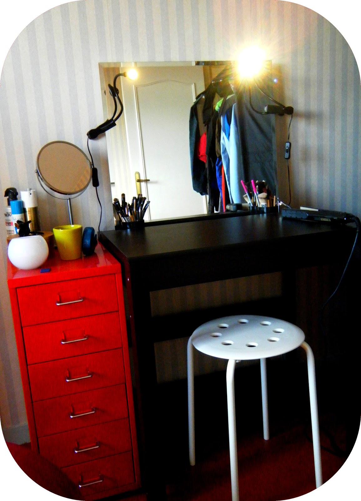 coiffeuse avec miroir ikea good with coiffeuse avec. Black Bedroom Furniture Sets. Home Design Ideas