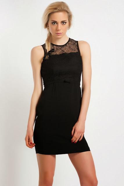 dantelli, kısa siyah elbise