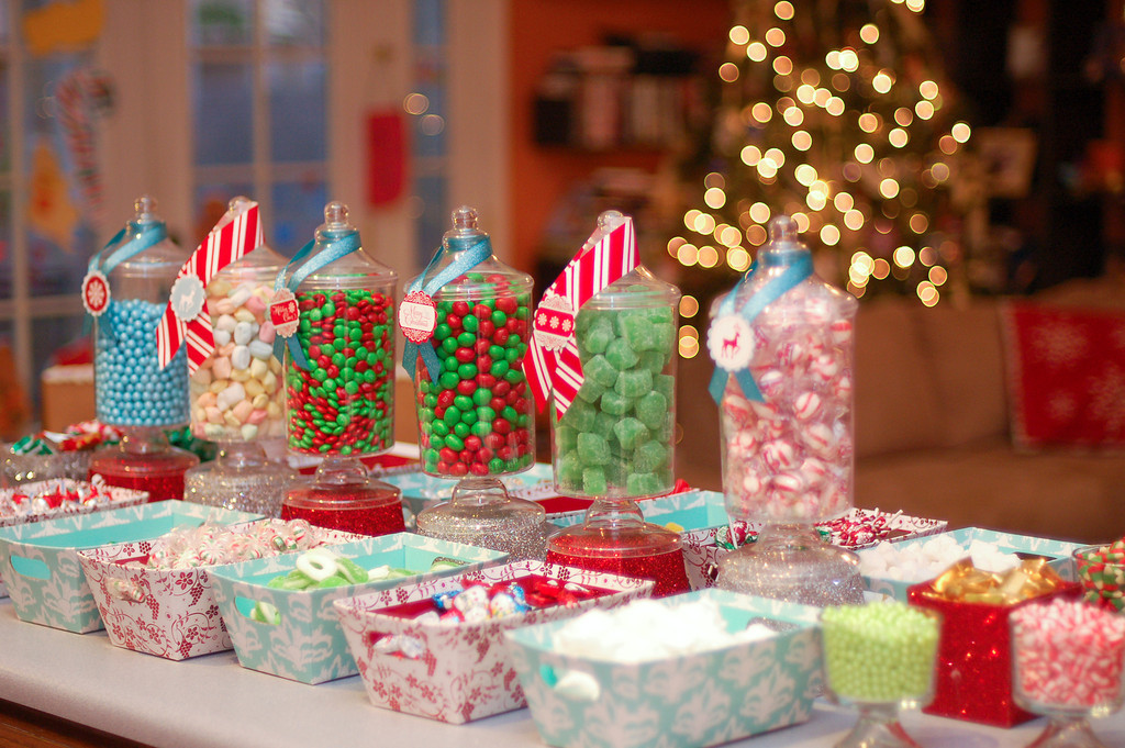 kara 39 s party ideas gingerbread house decorating party