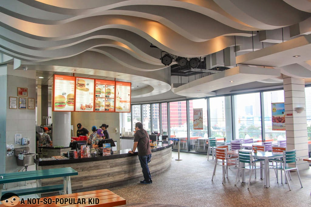 CaliBurger in Century City Mall can be a candidate for your next party venue