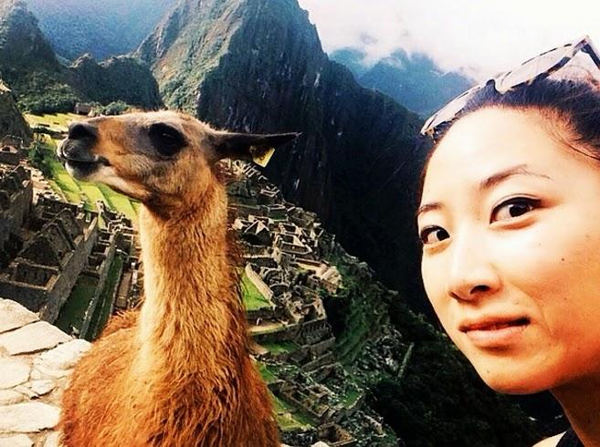 selfie en machu picchu peru