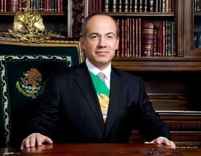 Felipe Calderón en el sillón presidencial