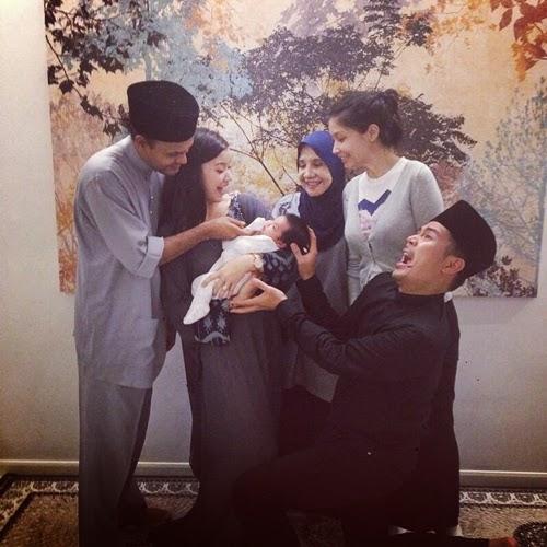 5Gambar Wajah Lara Lodin Anak Awal Ashaari Scha Al Yahya dan Lisa Surihani bersama yusri