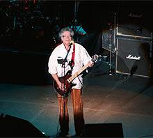 El guitarrista Leslie West pierde su pierna derecha