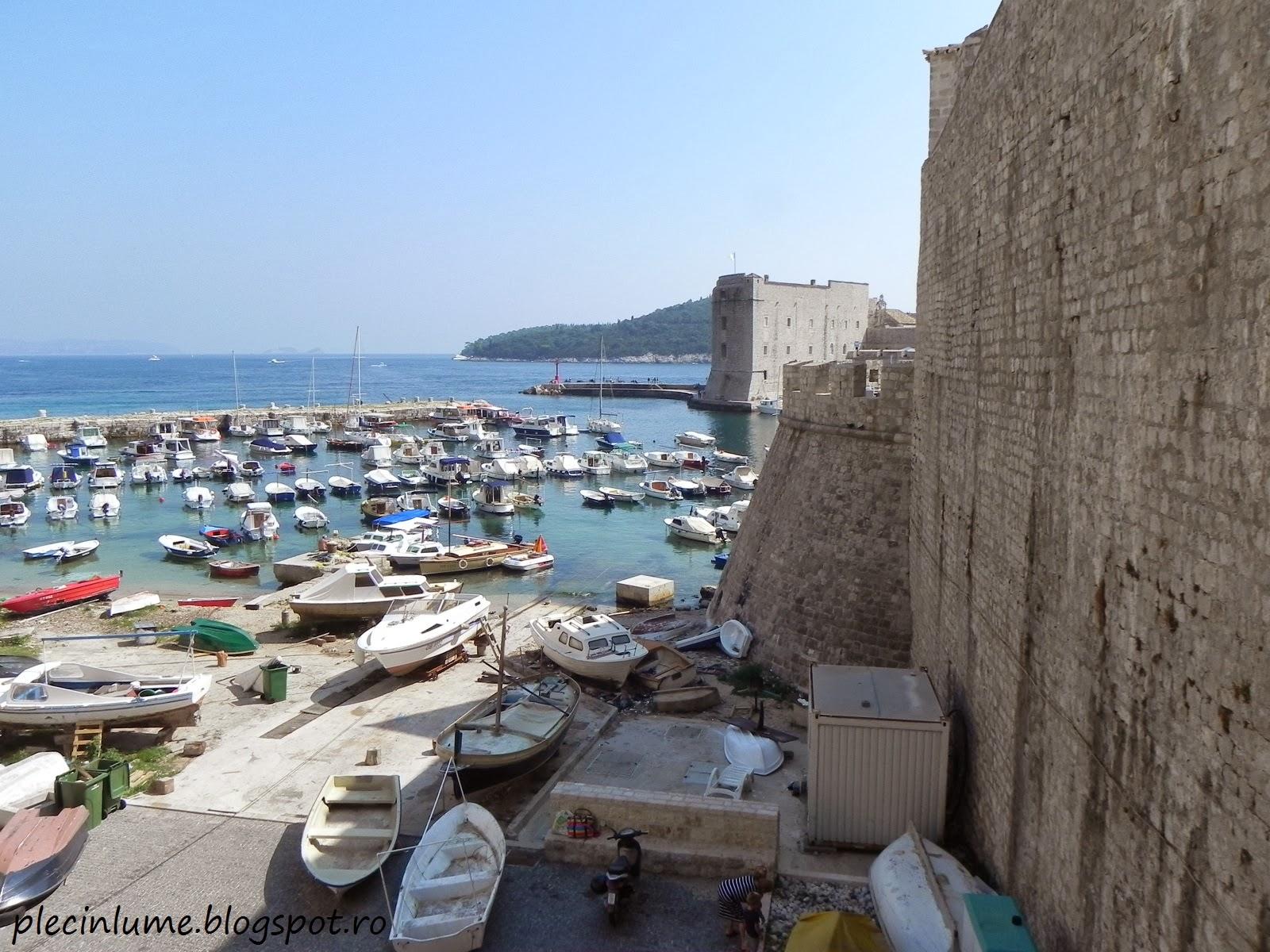 Barcute la zidurile cetatii Dubrovnik