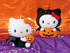 2012 Sanrio Hello Kitty Halloween Pumpkin Plush + Mascot