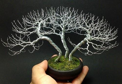 18-Ken-To-aka-KenToArt-Miniature-Wire-Bonsai-Tree-Sculptures-www-designstack-co