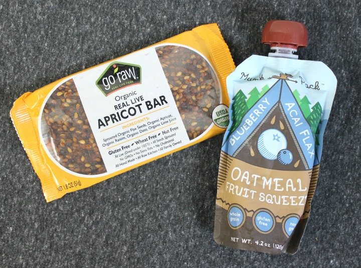 Go Raw Organic Real Live Apricot Bar Munk Pack Blueberry Acai Flax Oatmeal Fruit Squeeze