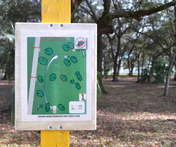 miami wind dummies disc golf club sign