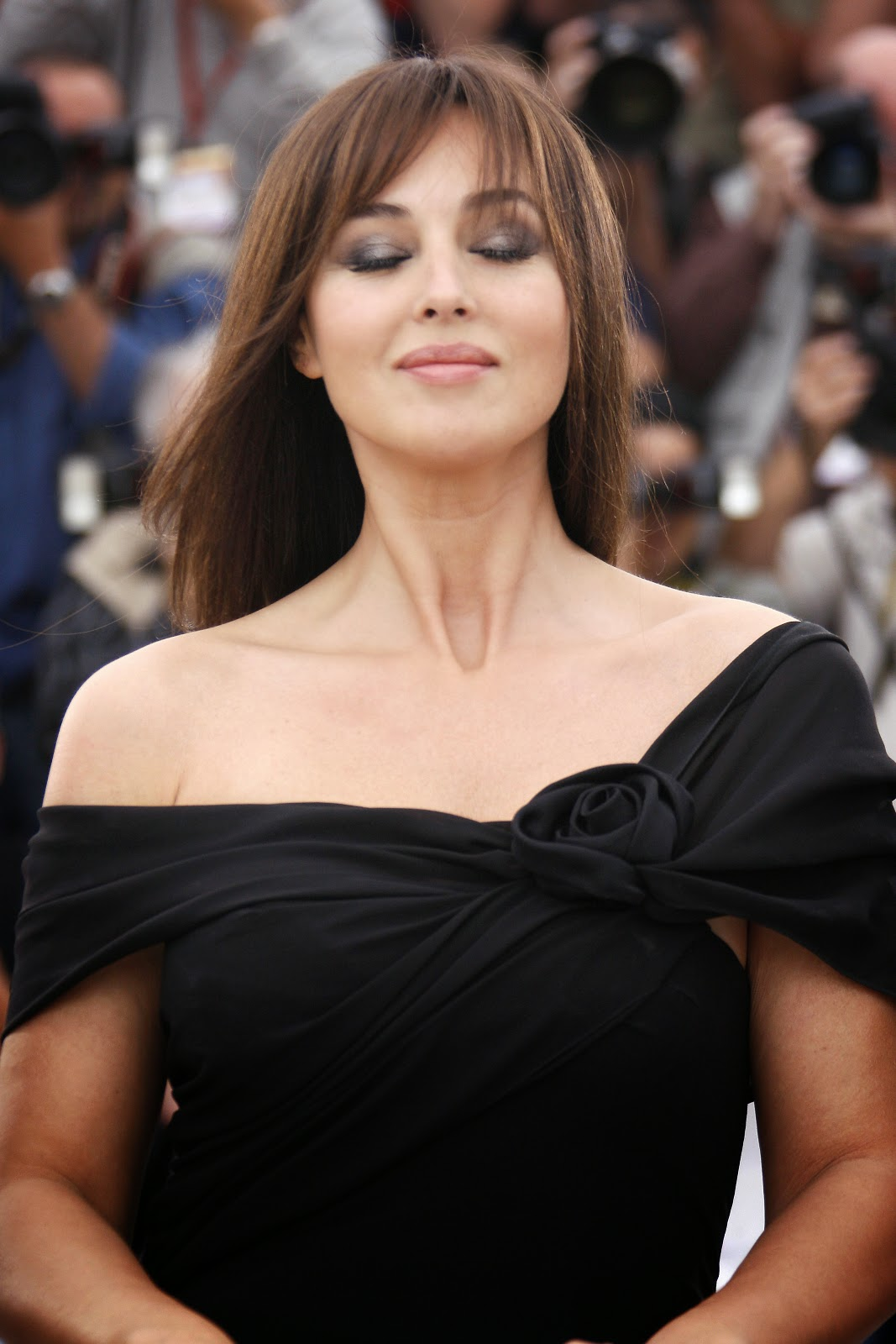 specter actress monica bellucci hd images monica bellucci is oldest bond girl in new film. Black Bedroom Furniture Sets. Home Design Ideas