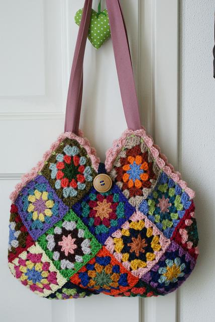 Granny Crochet Bag : que t? na minha agulha ! Almofada em Granny Square
