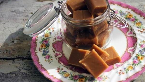 butter granola peanut butter hot fudge cake peanut butter fudge treats ...
