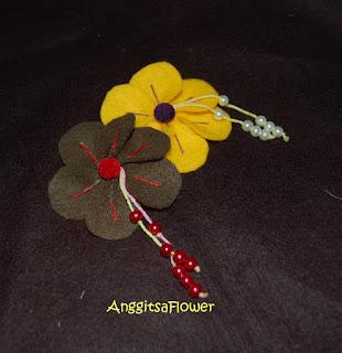 Bros Bunga Flanel (Felt Flower Brooch)