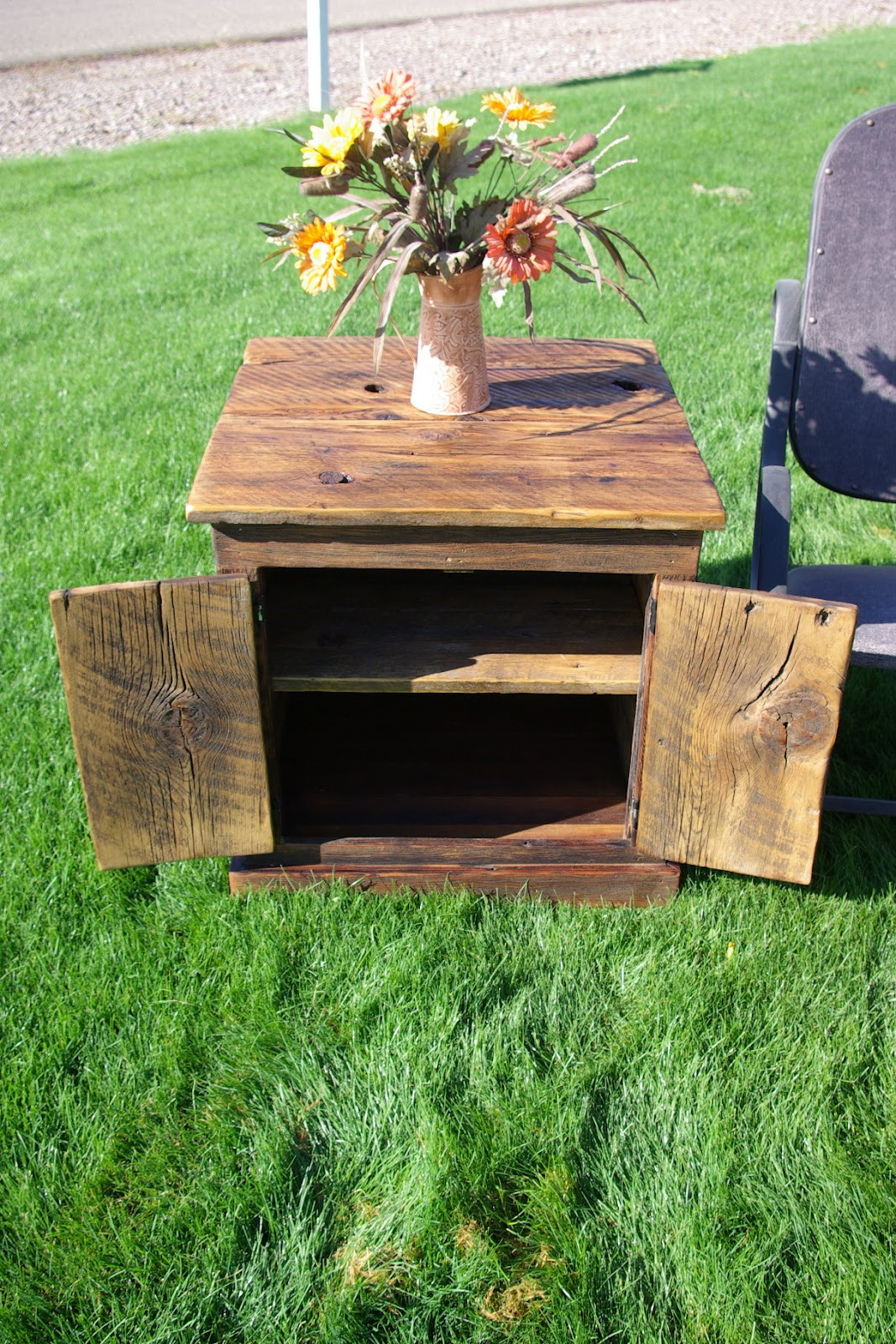 Reclaimed Rustics Barn Wood Coffee Table And Matching End Table