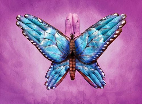 25-Blue-Butterfly-Guido-Daniele-Painting-Animals-on-Hands-www-designstack-co