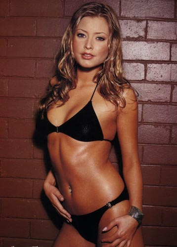 Australian Actress Holly Valance Hot Pics In Bikini