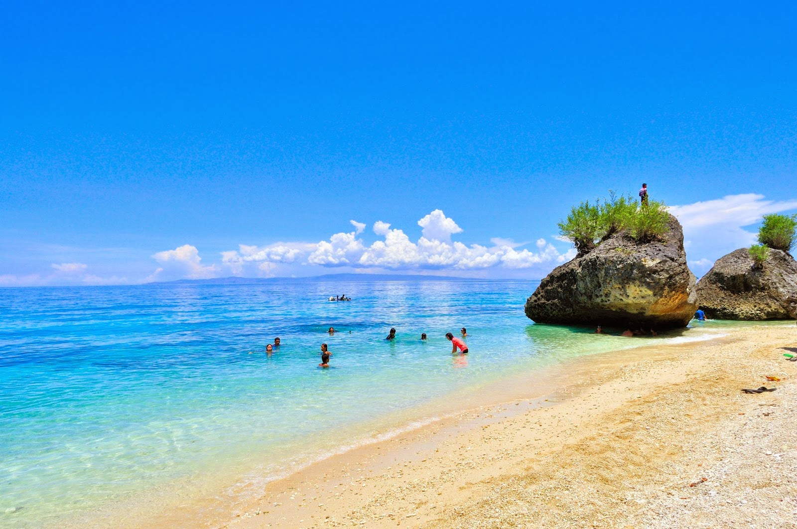 Public Beaches Near Cebu City