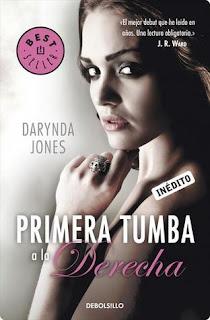 Primera Tumba a la Derecha (Darynda Jones)
