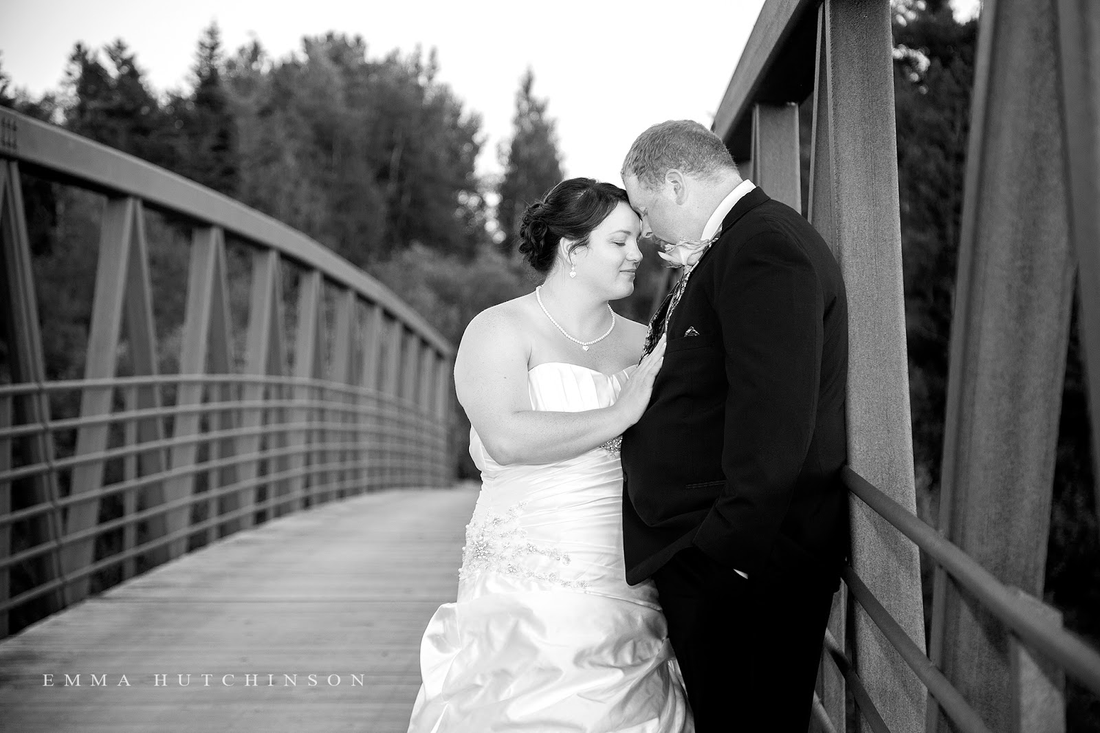 Weddings at Grand Falls Golf Club photographed by Emma Hutchinson