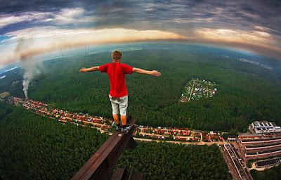 http://4.bp.blogspot.com/-KsUAzvEWffs/T4CsVQM0S4I/AAAAAAAA0p8/hHEkQ1C8H30/s1600/adrenalina-alturas-edificios.jpg