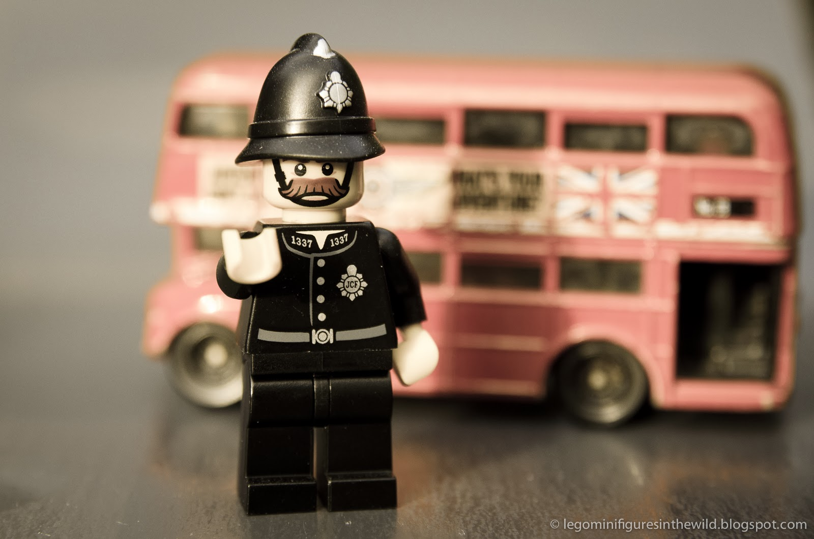 Lego Minifigures Series 11 Constable - Wallpaper