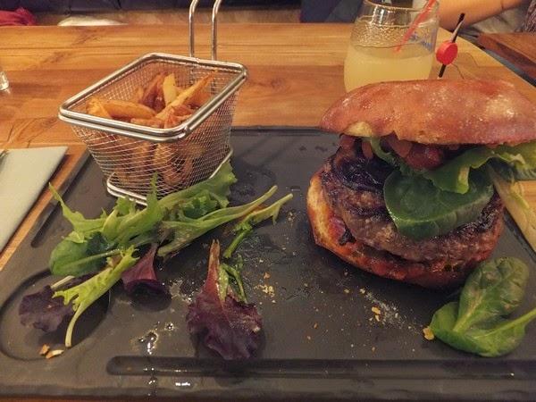 France Provence saint-rémy-de-provence restaurant burger