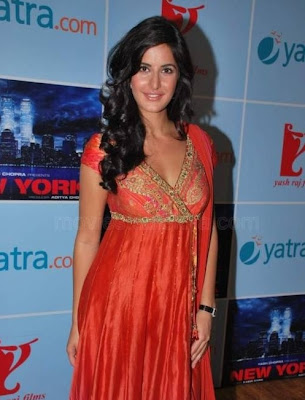 Katrina Meets Fans Of New York Competition Photos