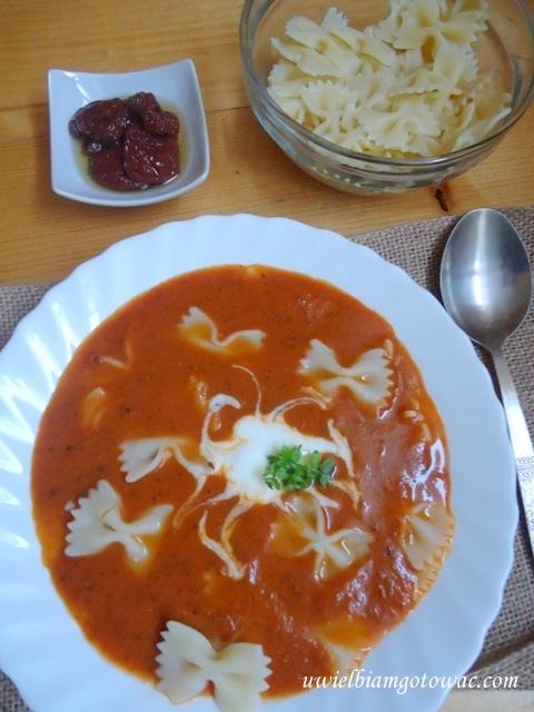 Zupa z suszonych pomidorów