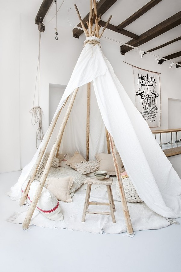 P s in with tents teepees for Diy cat teepee