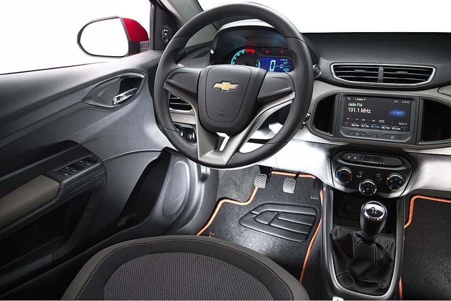 novo Chevrolet Prisma 2014 interior
