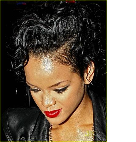 Wahing Rihanna Short Curly Hair