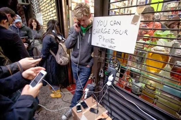 EUA,luz,celulares,amigos,parentes