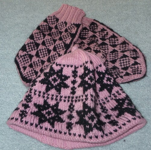 Knitting With Two Colors At The Same Time : Highhill homeschool fair isle hat and mittens