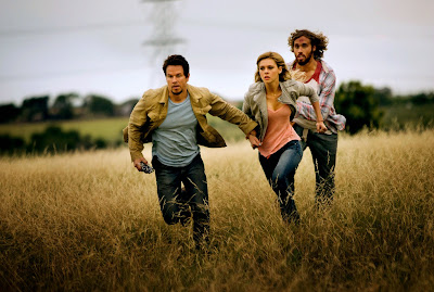 Nicola Peltz, Mark Wahlberg and TJ Miller in Transformers Age of Extinction