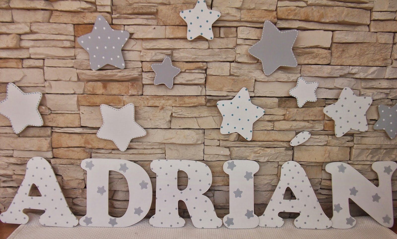 Decoraci n infantil pekerines letras de madera para - Madera para decoracion ...