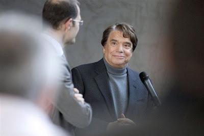 Bernard Tapie: Je suis prêt à aider Hollande