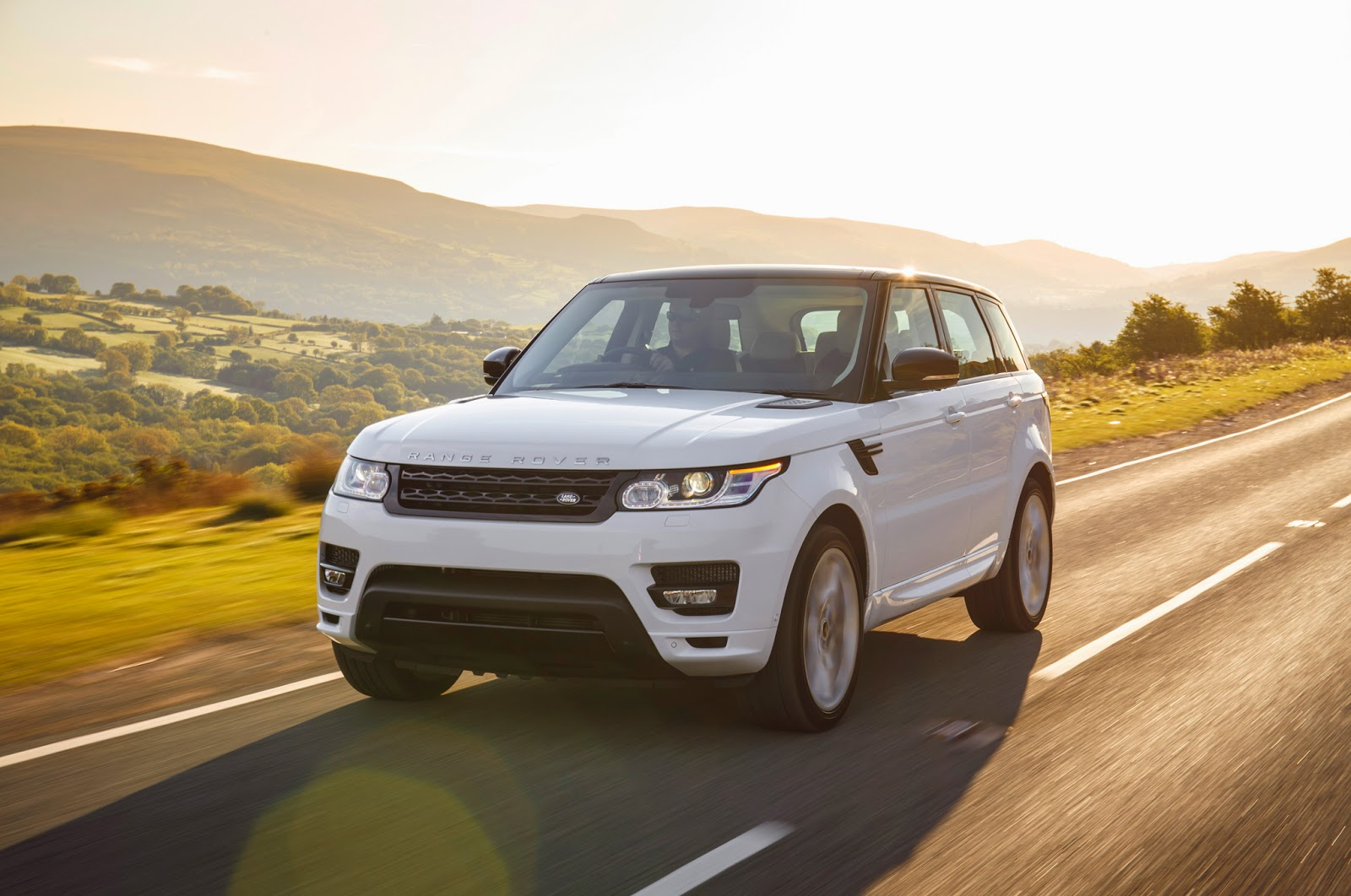 Land Rover Range Rover Sport Front View Image