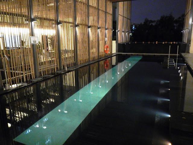 Hotel Maya Kuala Lumpur swimming pool