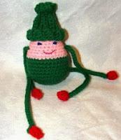 http://translate.googleusercontent.com/translate_c?depth=1&hl=es&rurl=translate.google.es&sl=en&tl=es&u=http://cobblerscabin.wordpress.com/happy-hookin/santas-helper-free-crochet-pattern/&usg=ALkJrhgGbA8AoIMuvK6xhfZLzlr9dTuCAw