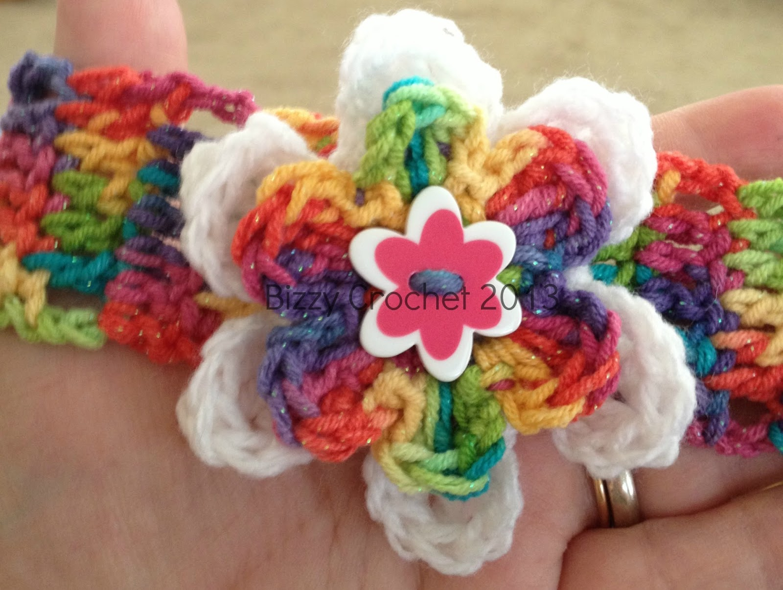 Bizzy Crochet: Layered Button Flower Accent- Free Pattern