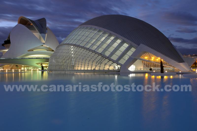 http://www.diariosdeunfotografodeviajes.com/2009/11/valencia-ciudad-de-las-artes.html