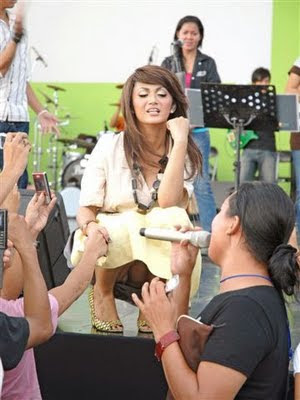 kamera siapa saja artis indonesia yang celana dalamnya kelihatan