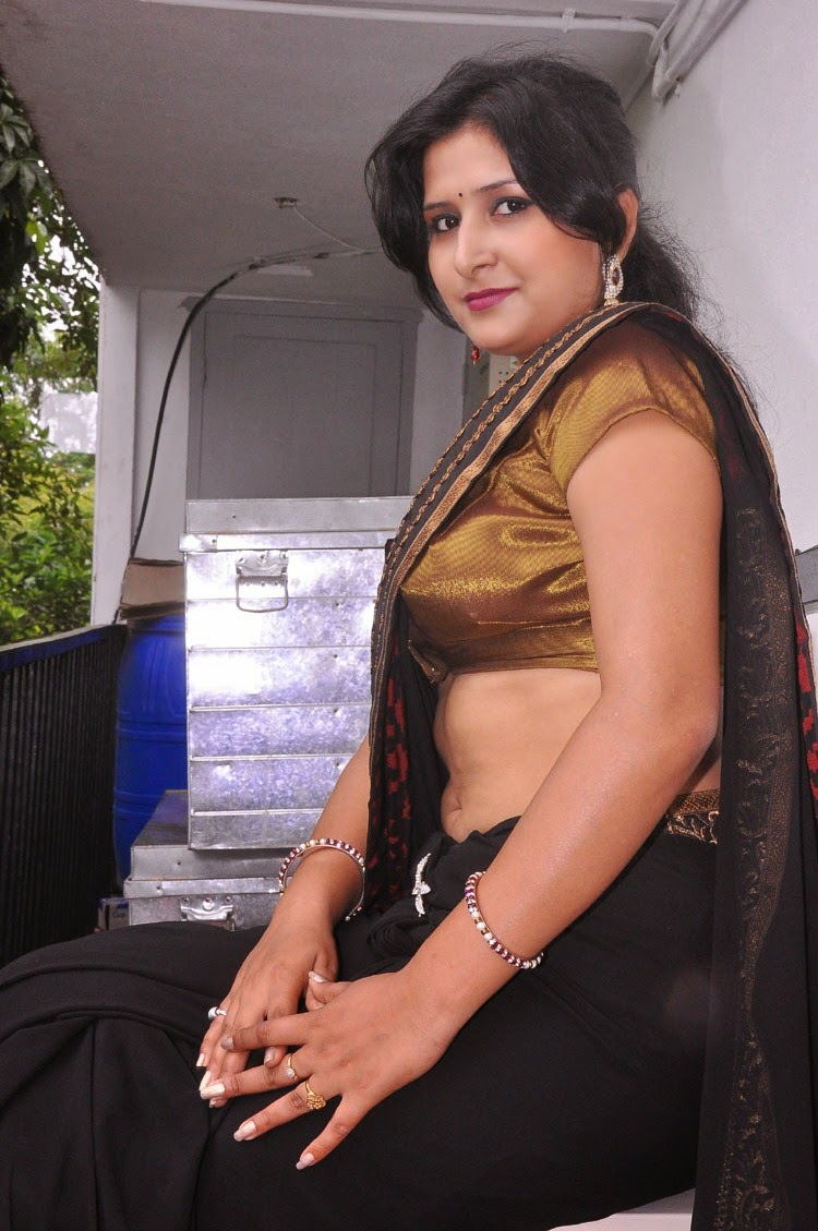 Hot sexy mallu aunty images